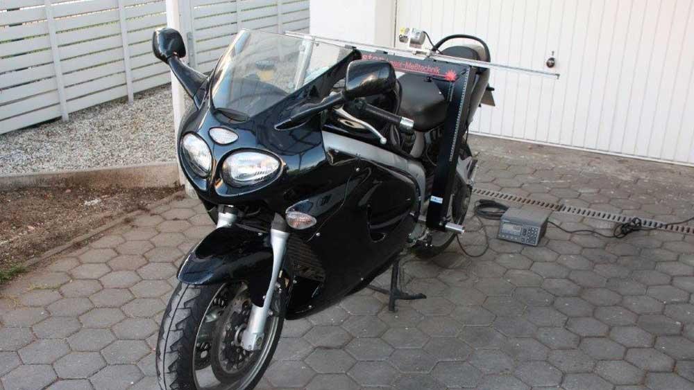 Motorrad-Rahmenvermessung3